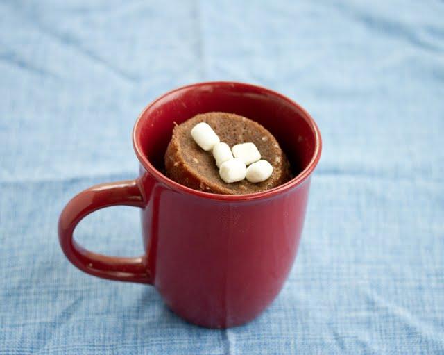 Hot chocolate mug cake