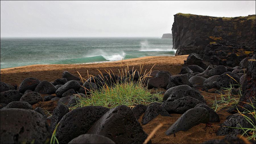 Исландия Снайфедльснес жёлтый песок пляж Iceland Snaefellsnes Skardsvik