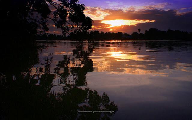Gambar foto sunset sulung di kampung Pulau Rusa
