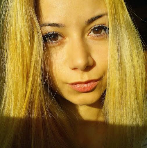 Otilia Maria review
