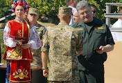 Президент Порошенко вручил награды бойцам 79-й аэромобильной бригады