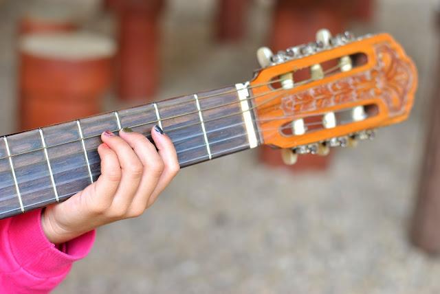 imagem de violão com detalhes Fotografia e da poesia