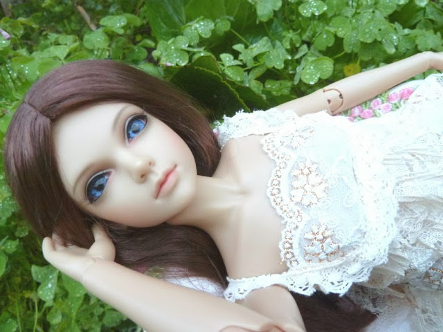 Alice (Leona JID Iplehouse) en cure de remise en forme (p 2) Arrive%25CC%2581e%2520Leona13