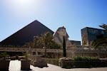 """Das berühmte """"Luxor"""" - dort sind wir später am Abend in die Magier-Show """"Believe"""" von Criss Angel gegangen."""