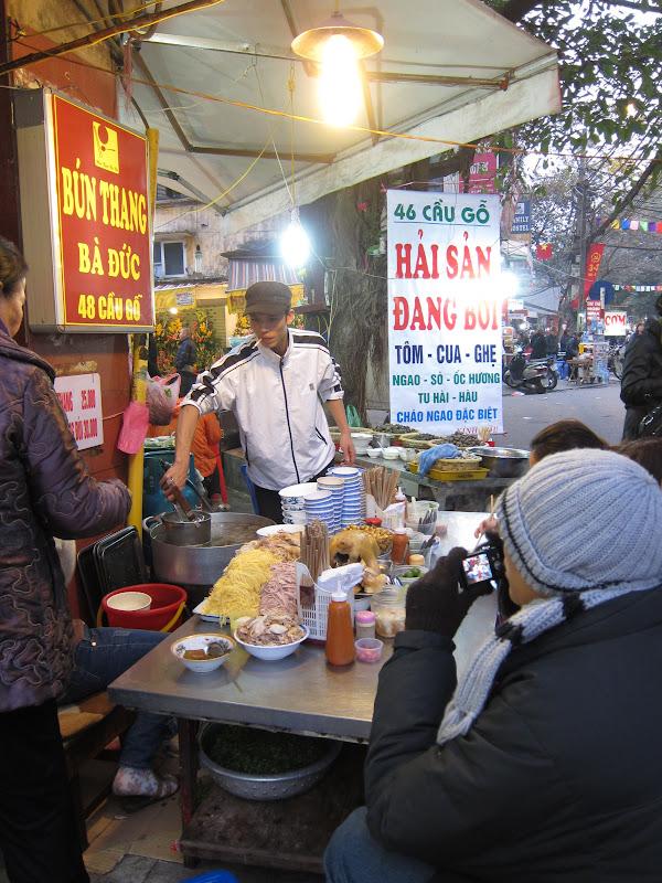 Vietnamese sidewalk eatery