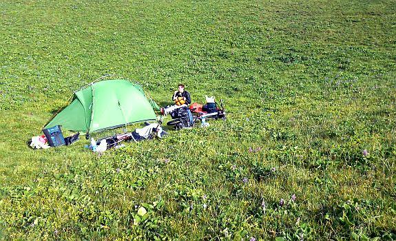 Zeltplatz für zwei Nächte am Kongurlen-Fluss, Koordinaten: N 41.952166, E 76.396973, Kirgistan