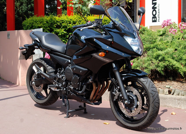 occasion yamaha xj6 diversion abs noire 2012 8900kms vendue saint maur motos. Black Bedroom Furniture Sets. Home Design Ideas
