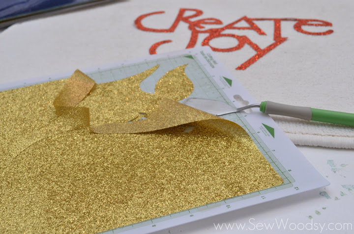 Glitter Christmas Doormat using Tulip Shimmer | SewWoodsy.com