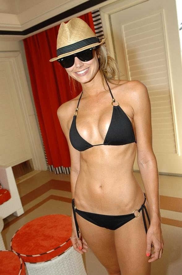 Stacy Keibler's Bikini Clone:celebrities,bikini girl,sex beach0