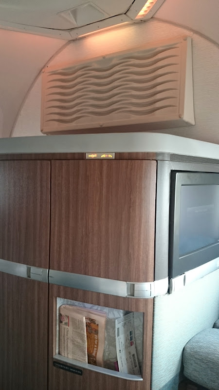 DSC 2888 - REVIEW - Cathay Pacific : First Class - Hong Kong to Tokyo (B747)