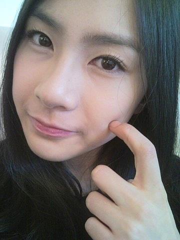 APINK, Oh Ha-young (Profil, Fakta, Pacar, dan Operasi