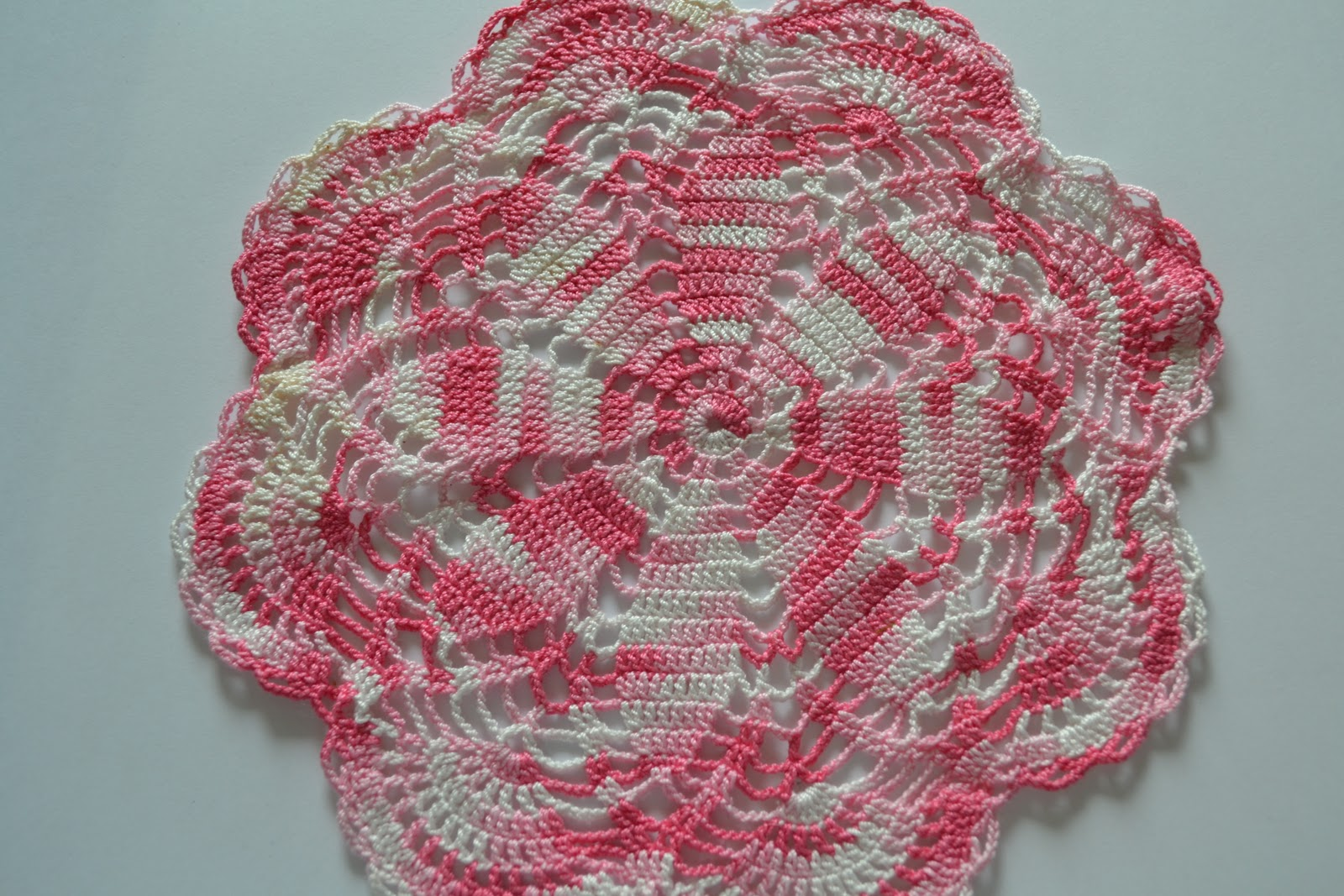 Free crochet patterns doilies easy dancox for variety is the very spice of life sweet daisy doily the free crochet patterns doilies easy bankloansurffo Gallery