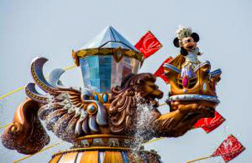 Top 10 Disney Theme Park Shows And Spectaculars