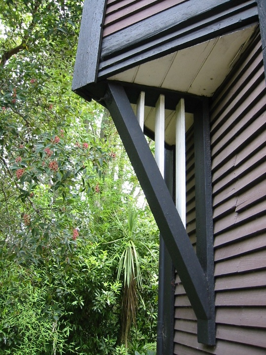 external image Eyrie%2520bay%2520window%2520bracket.jpg