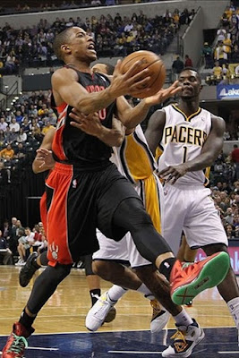 wearing brons nba lebron10 christmas demar derozan 01 Wearing Brons: Breds, Carbons, Canaries, Xmas, IDs and More!