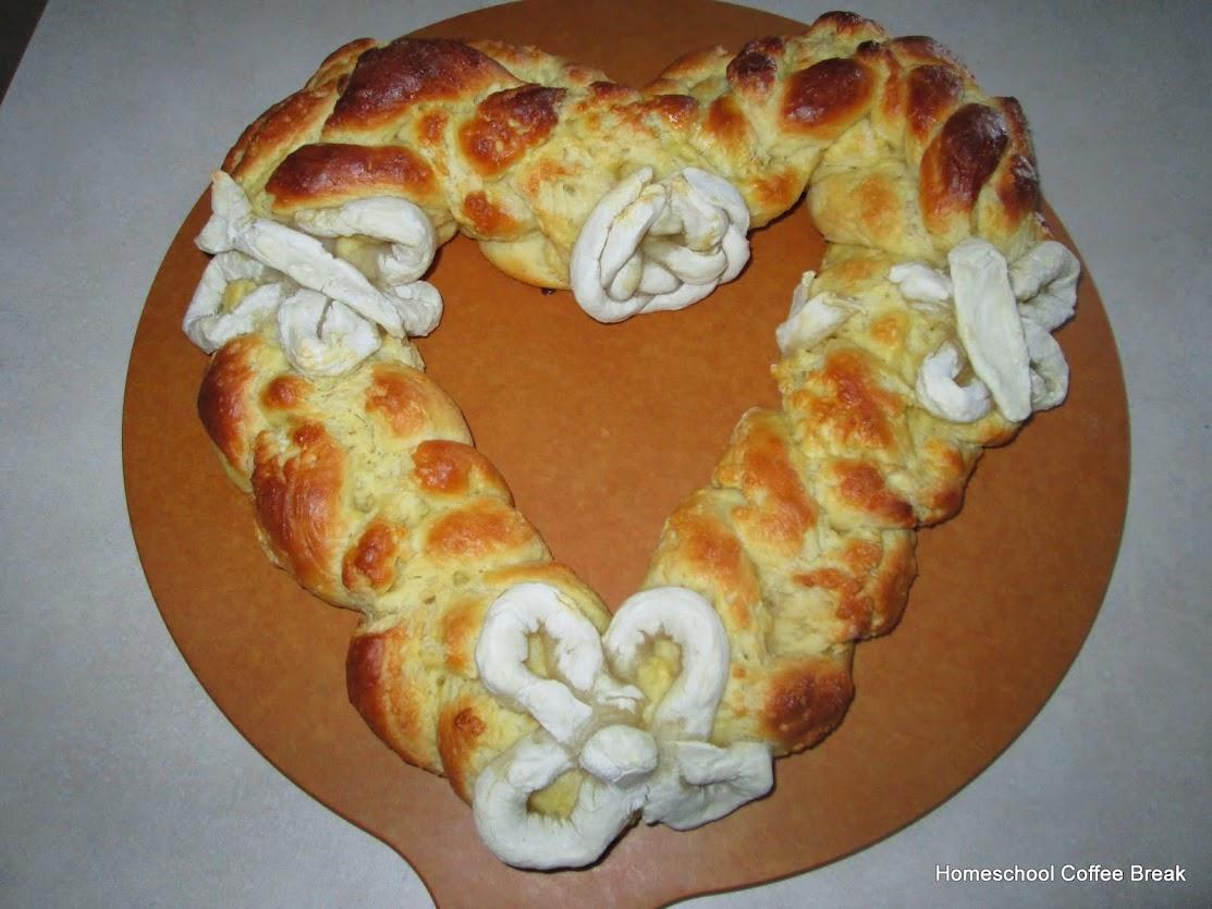 A Taste of Europe - Slovenian Braided Heart Bread @ kympossibleblog.blogspot.com