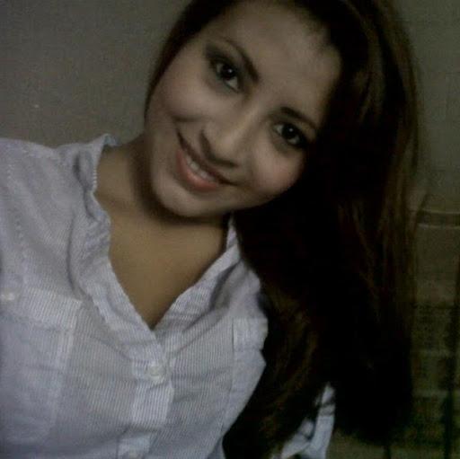 Evelyn Tapia Photo 27