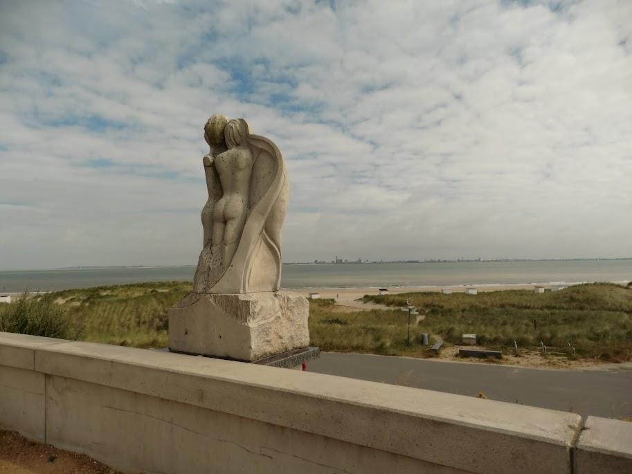 zicht op Vlissingen aan de overkant van de Westerschelde