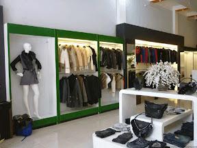 Thiết kế shop thời trang 07