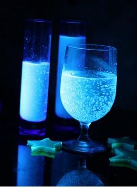Tragos y gelatinas que brillan en la oscuridad