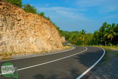ruas jalan pantai selatan jawa menuju wonosari dari parangtritis