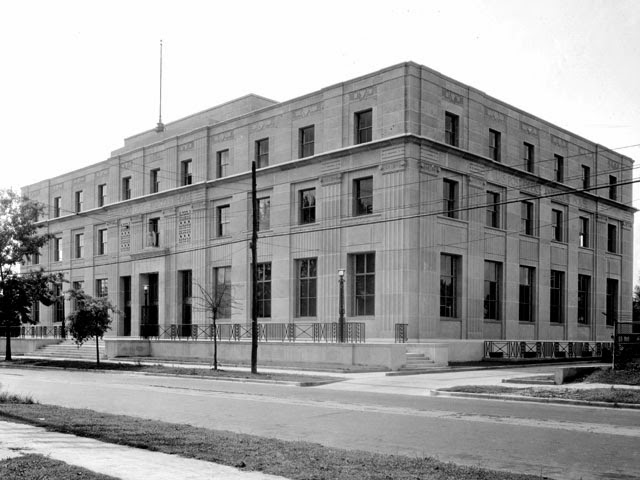 Baton Rouge, LA: Old Post Office and U.S. Courthouse, 1933