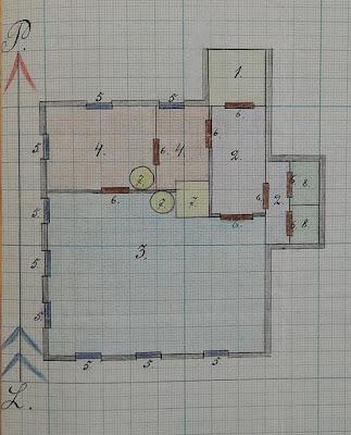 План школы в Переволоке. Цифрами обозначены: 1 - прихожая, лестница; 2- коридор; 3 - класс; 4 -жилые комнаты заведующего школы; 5 -окна; 6 - двери; 7 - печи; 8 - уборные 1936 г.