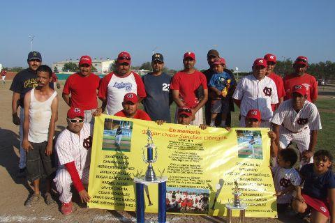 Equipo CNC del torneo de softbol sabatino