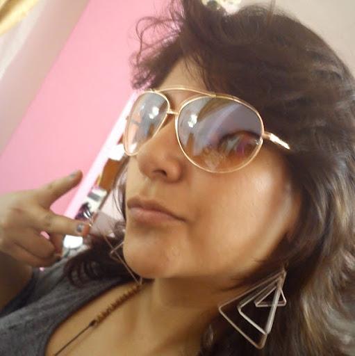 Paola Baquero Photo 15