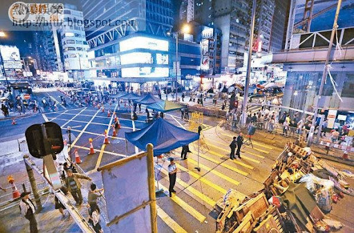 執達吏聯同警方的首個「清障」目標是旺角佔領區,警方正召集七千警力在未來幾天候命協助執行法庭命令。
