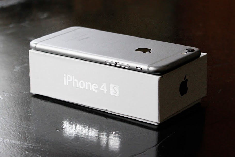 iPhone 6 vs iPhone 4 box