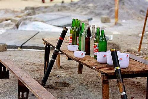 dac san ruou ngo o ha giang Thưởng thức đặc sản rượu ngô ở Hà Giang.