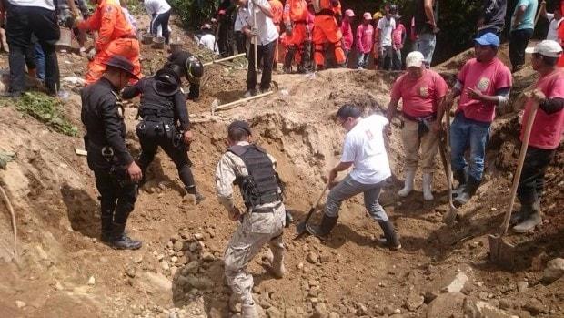 Listado de personas que perdieron la vida por el deslave en El Cambray 2