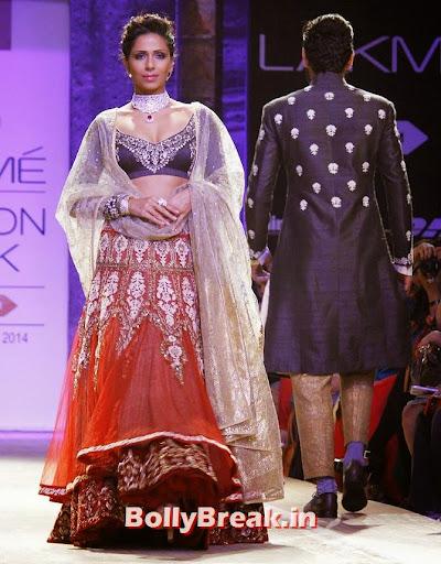 Model Candice Pinto in Anju Modi creation.