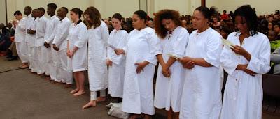 Les baptisés au moment de la profession de foi