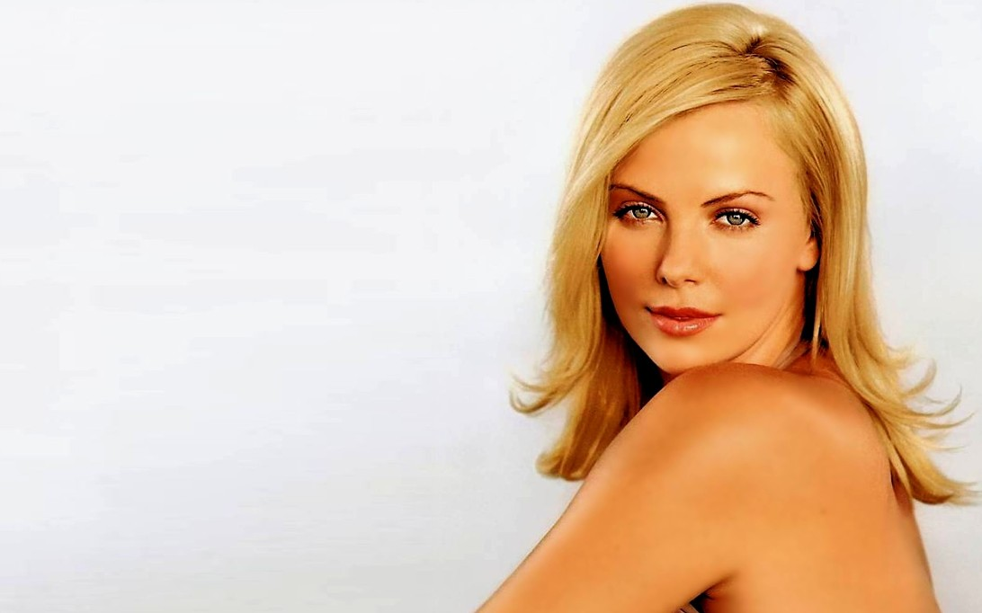 Charlize Theron Wallpaper 3