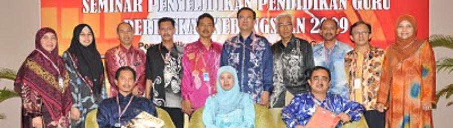 Menerima Anugerah Inovasi Sempena Seminar Penyelidikan Anjuran BPG-IPG - Johan Bagi Projek e-Takwim