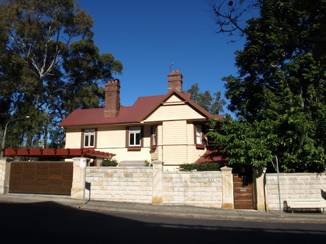 external image 107%2520KIRRIBILLI%2520AVENUE%2520Kirribilli%2520NSW%25202061main.jpg