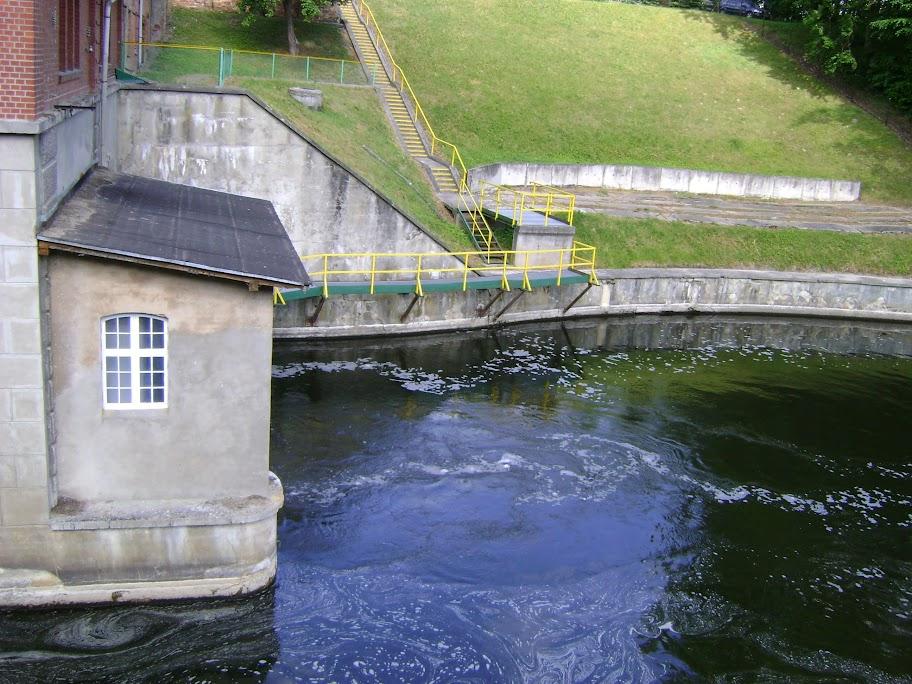 wypływ wody z elektrowni kamienna