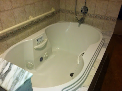 Whirlpool tub at Women & Infants ABC
