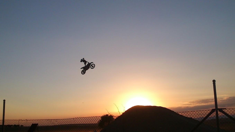 manatus foto blog salto con moto