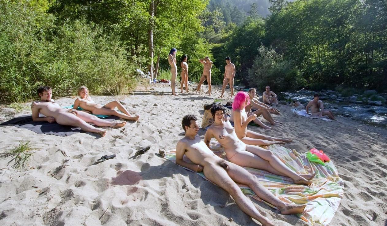 Giovani foto per nudisti per posta
