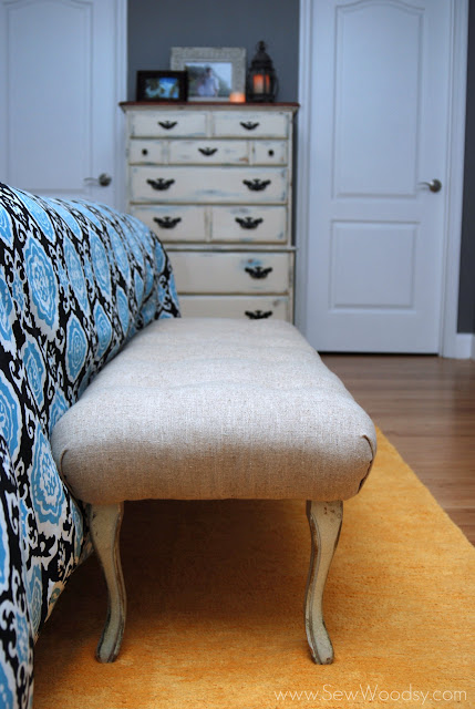 upholstered tufted bench