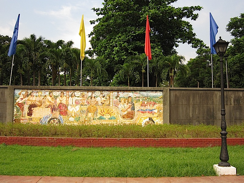 jeepney mural featuring Spanish colonial era personalities
