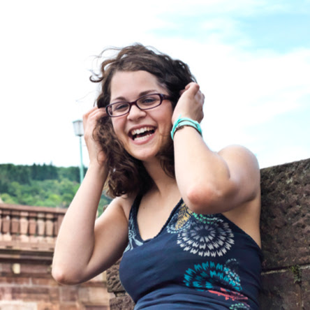 Julia Klein Photo 34