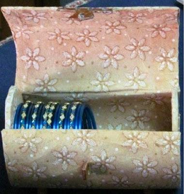 Bangle box with bangles