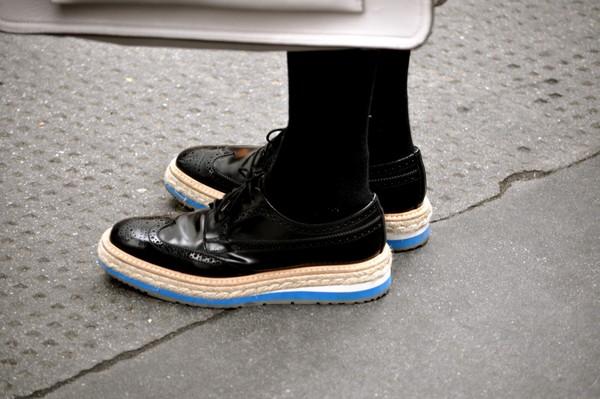 giày đế xuồng da tạo cảm giác cá tính