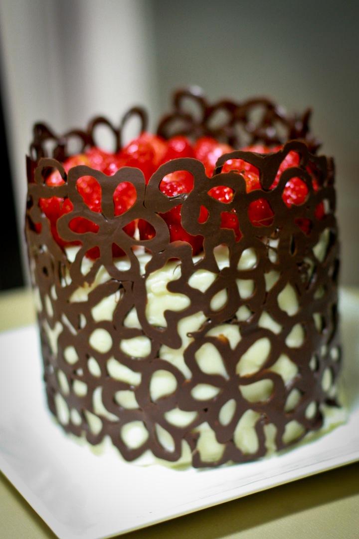 Украсить торт шоколадом фото