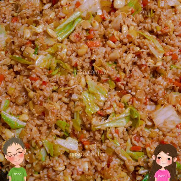 naso食譜-全家最愛吃的「簡易蕃茄糙米燉飯」