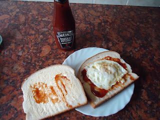 Heinz Tomato Ketchup with Balsamic Vinegar Fried Egg Sandwich